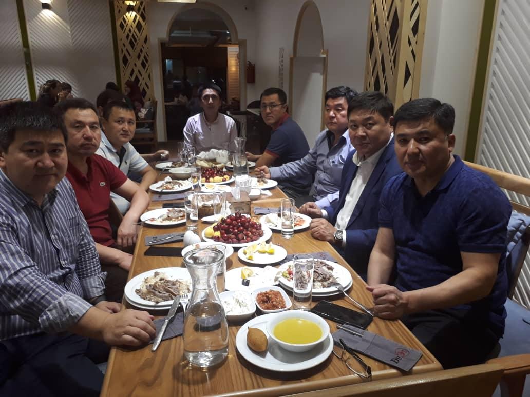 По традиции Керемет Construction в честь священного месяца Рамазан провели Ифтар для клиентов, сотрудников и партнеров.